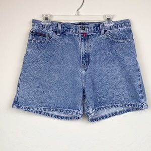 DKNY vintage cheja high rise jean shorts, size 30